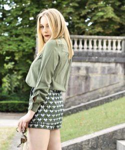 jupe short maje perroquet